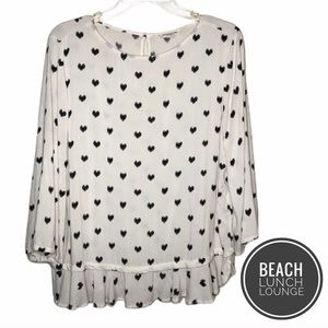 beachlunchlounge White Heart Ruffle Top [M]